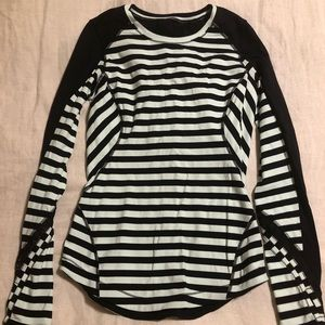 Lululemon long sleeve fitted top, size 6